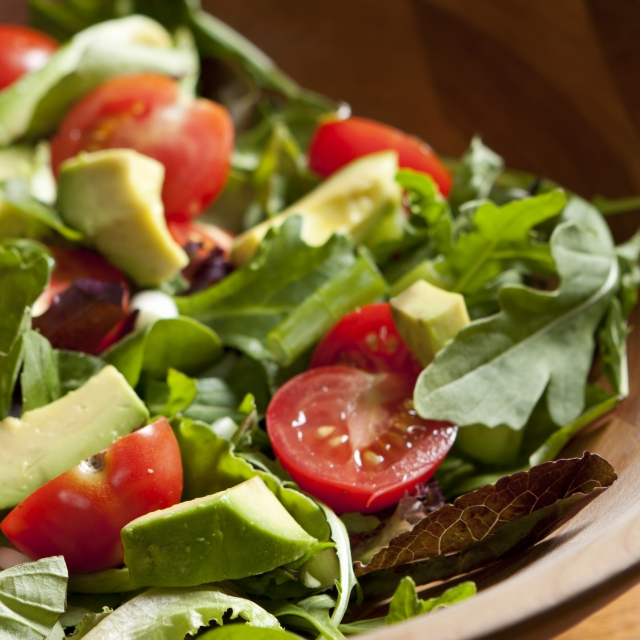 Tuna Arugula Avocado & Cherry Tomato Salad – No Cooking